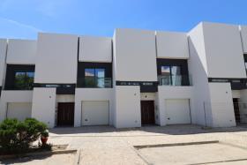 Image No.0-Maison de 4 chambres à vendre à Cabanas de Tavira