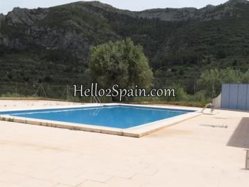 Llosa-Community-Pool--2-