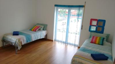 bedroom-2-blue-room