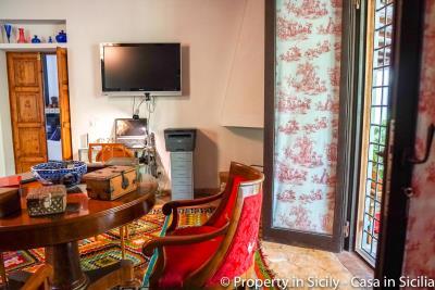 Property-to-sell-in-sicily-villa-delle-melie-collesano-real-estate-54