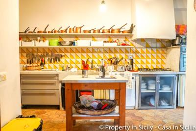 Property-to-sell-in-sicily-villa-delle-melie-collesano-real-estate-39