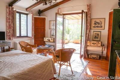Property-to-sell-in-sicily-villa-delle-melie-collesano-real-estate-17