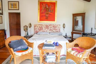 Property-to-sell-in-sicily-villa-delle-melie-collesano-real-estate-11