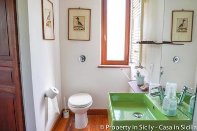 Property-to-sell-in-sicily-villa-delle-melie-collesano-real-estate-5
