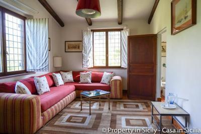 Property-to-sell-in-sicily-villa-delle-melie-collesano-real-estate
