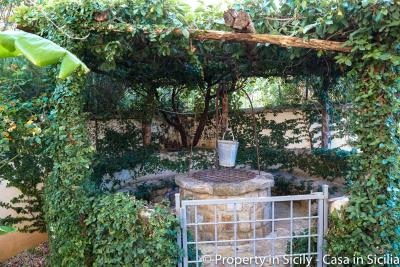 Property-to-sell-in-sicily-villa-delle-melie-collesano-24