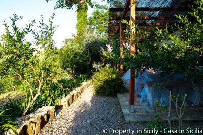 Property-to-sell-in-sicily-villa-delle-melie-collesano-17