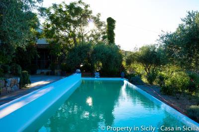 Property-to-sell-in-sicily-villa-delle-melie-collesano-4