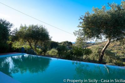 Property-to-sell-in-sicily-villa-delle-melie-collesano-5