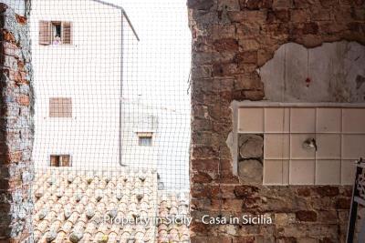 Palazzo-san-giuliano-renovation-project-1-euro-28