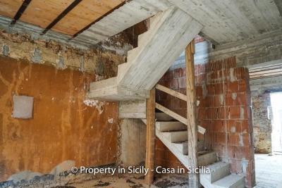 Palazzo-san-giuliano-renovation-project-1-euro-23