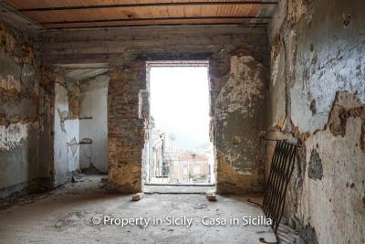 Palazzo-san-giuliano-renovation-project-1-euro-19