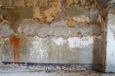 Palazzo-san-giuliano-renovation-project-1-euro-20