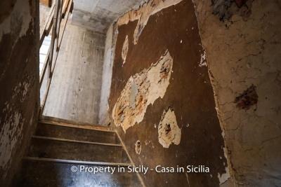 Palazzo-san-giuliano-renovation-project-1-euro-8