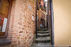 Image No.2-Maison de ville de 3 chambres à vendre à Pollina