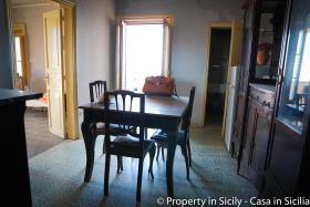 Image No.6-Maison de ville de 3 chambres à vendre à Pollina