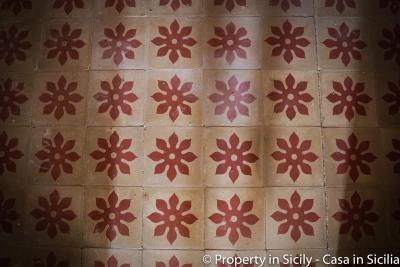 House-to-sell-pollina-1-euro-house-sicily-casa-maioliche-9