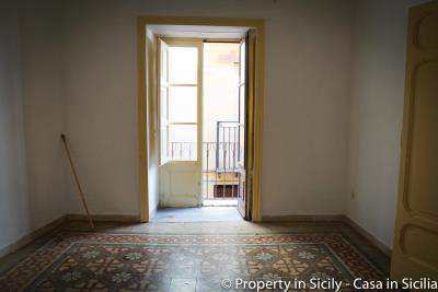 House-to-sell-pollina-1-euro-house-sicily-casa-maioliche-4