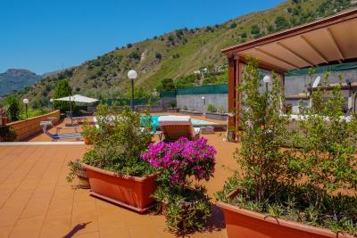 Villa-Sonja-Swimmingpool-Letojanni-Sicily-property-35