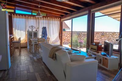 Villa-Sonja-Swimmingpool-Letojanni-Sicily-property-24