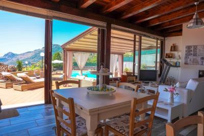 Villa-Sonja-Swimmingpool-Letojanni-Sicily-property-19