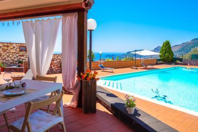 Villa-Sonja-Swimmingpool-Letojanni-Sicily-property-17