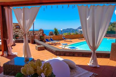 Villa-Sonja-Swimmingpool-Letojanni-Sicily-property-14