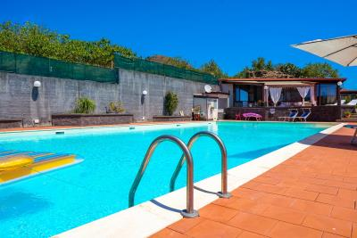 Villa-Sonja-Swimmingpool-Letojanni-Sicily-property-7