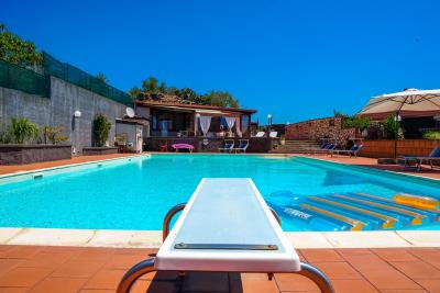 Villa-Sonja-Swimmingpool-Letojanni-Sicily-property-5