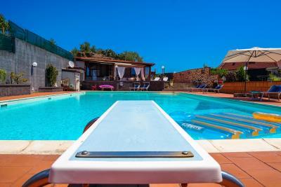 Villa-Sonja-Swimmingpool-Letojanni-Sicily-property-6