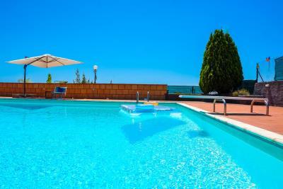Villa-Sonja-Swimmingpool-Letojanni-Sicily-property-4