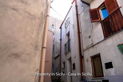 1--Maison-Emiliano-gratteri-buy-a-property-in-sicily-22