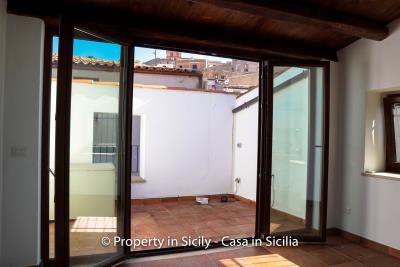 14-1-Maison-Emiliano-gratteri-buy-a-property-in-sicily-16