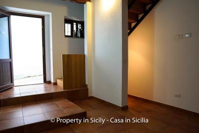 3--Maison-Emiliano-gratteri-buy-a-property-in-sicily-14