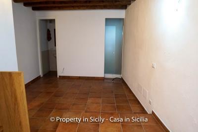 2--Maison-Emiliano-gratteri-buy-a-property-in-sicily-13