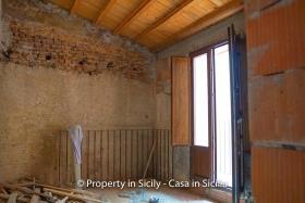 Image No.2-Maison de ville de 2 chambres à vendre à Pollina