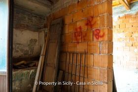 Image No.7-Maison de ville de 2 chambres à vendre à Pollina