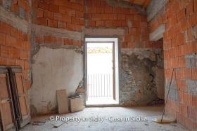 Image No.9-Maison de ville de 2 chambres à vendre à Pollina