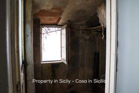 Image No.12-Maison de ville de 2 chambres à vendre à Pollina