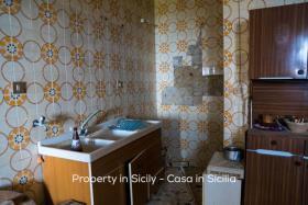 Image No.17-Maison de ville de 2 chambres à vendre à Pollina