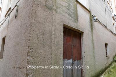 Casa-collosi-property-in-sicily-pollina-02