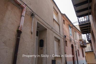 Casa-collosi-property-in-sicily-pollina-03