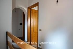 Image No.14-Maison de ville de 2 chambres à vendre à Pollina