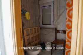 Image No.15-Maison de ville de 2 chambres à vendre à Pollina