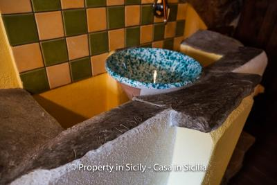 casa_claudia_rodi_milici_property_in_sicily_house_to_buy-23