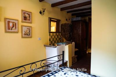 casa_claudia_rodi_milici_property_in_sicily_house_to_buy-22