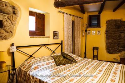 casa_claudia_rodi_milici_property_in_sicily_house_to_buy-12