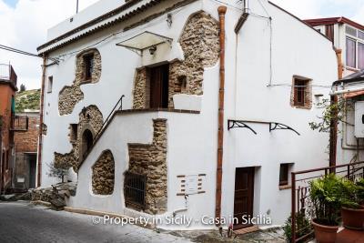 casa_claudia_rodi_milici_property_in_sicily_house_to_buy-3