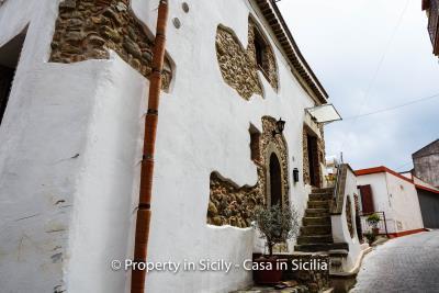 casa_claudia_rodi_milici_property_in_sicily_house_to_buy-4
