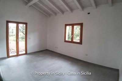 Villa-isabelle-permaculture-estate-sicily-sea-view-buy-property-interior-11